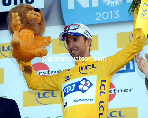 Nacer Bouhanni becomes the new race-leader - bravo..!