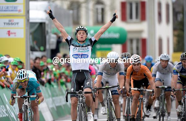 Gianni Meersman wins stage three ahead of Francesco Gavazzi and Albasini