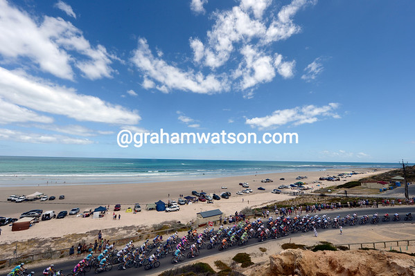 The peloton sweeps away from the Southern Ocean and heads for Old Willunga Hill...