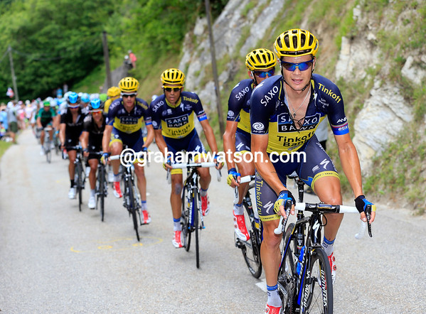 Nicholas Roche leads a Saxo-Tinkoff show of strength - Sky can take it easy as their rivals start to work instead...