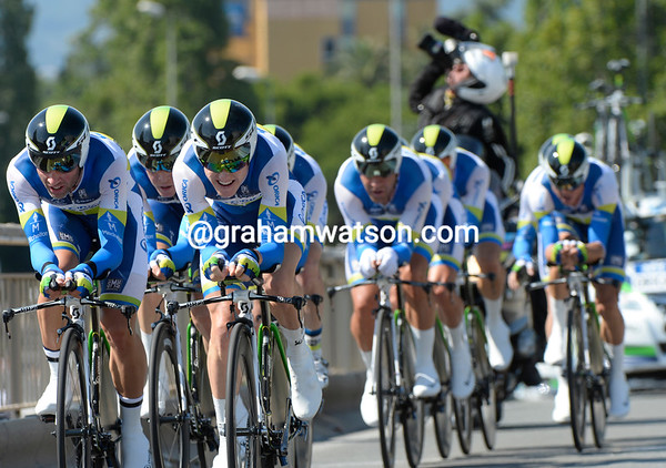 Albasini and Meyer took big turns to help win the stage for Orica-Green Edge - at a record speed of almost 58-kilometres-per-hour..!