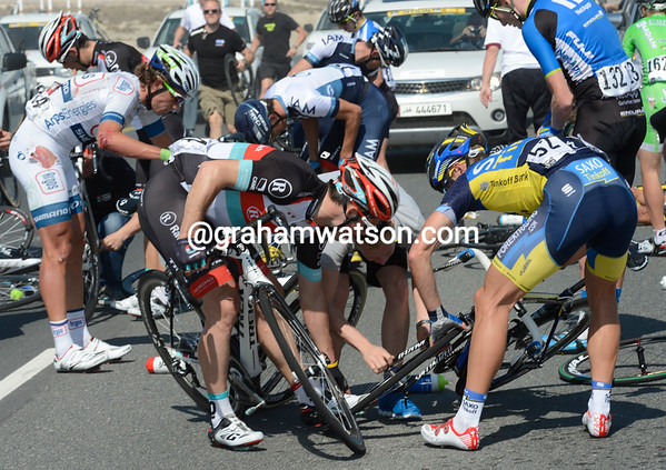 No happy birthday this - Irizar is also in the crash, his bike is tangled up with others...