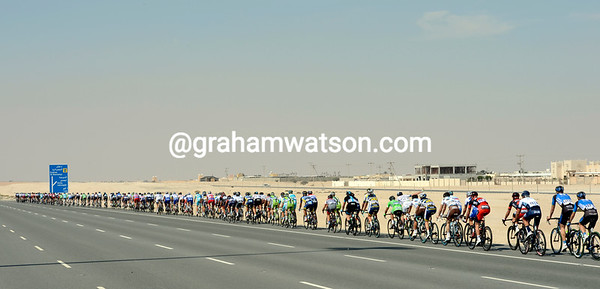The peloton has realised Andrej Grivko and Gatis Smukulis are in the escape and are very strong - a chase starts..!