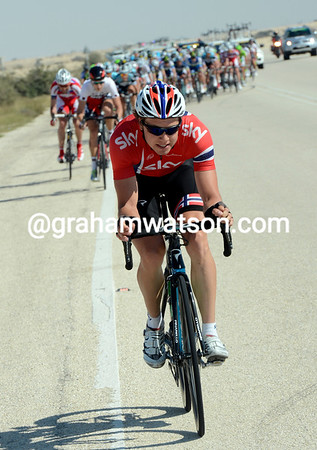 Boasson Hagen attacks again, he too is chased down by Phinney..!