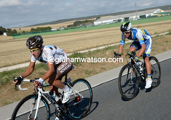 5th-placed Domenico Pozzovivo and sprinter Matthews are the primary victims of the wind, they'll lose several minutes by the end...