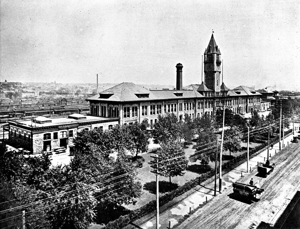 . Union Station in Denver, Colorado. 1890\'s. Scan from glass plate.  (Photo form The Denver Post Library Archive)