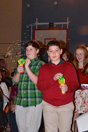 Glee - Holiday Performance