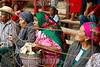 Mexico - San Bartolomé Quialana , comunidad perteneciente al distrito de Tlacolula - En esta comunidad, la migración es sinónimo de herencia familiar, la vestimenta de sus mujeres acapara la mirada de quienes se dan cita en la comunidad para ser testigos de las festividades en honor a su santo patrón. Uno de los eventos principales es el Rodeo, donde los jinetes llegan de varias partes para demostrar si habilidad y destreza para no caer de los grandes toros / Rodeo on 08/25/2015 in San Bartolomé Quialana / Mexiko : Rodeo am 25.08.2015 in San Bartolomé Quialana - Indigene Zuschauer - Frauen in traditioneller Kleidung © Jorge Luis Plata/LATINPHOTO.org