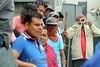 Mexico : Habitantes de San Antonio de la Cal, municipio ubicado a 5 kilometro de la ciudad de Oaxaca piden la realización de elecciones en su pueblo e instalaron un plantón en la sede del Instituto Nacional Electoral (INE), estacionando un camión lleno de basura que amenazaron con derramar. Debido a la intromision de un agente municipal impuesto por el gobierno estatal, reprobaron este acuerdo debido a que no respetan las costumbres de su comunidad y piden ser ellos mismos quienes eligan a sus autoridades, por lo cual pidieron a este instituto les ayuden a realizarlo / Mexiko : Militante Gruppen rufen am 10.05.2015 in San Antonio de la Cal zu Neuwahlen auf © Jorge Luis Plata/LATINPHOTO.org