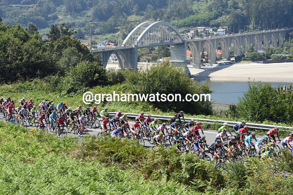 The race is on as the peloton starts to split because of constant attacking...