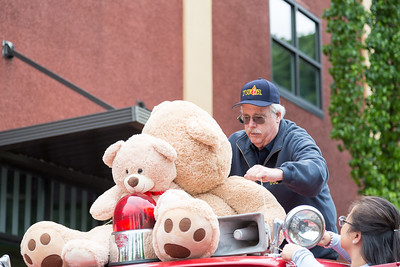 Oregon_City_Lions_Club_Teddy_Bear_Parade-1