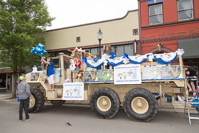 Oregon_City_Lions_Club_Teddy_Bear_Parade-4