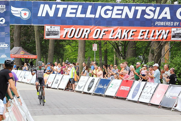 Masters 35+ Cat 1/2/3 - Intelligentsia Cup Series Tour of Lake Ellyn 2018