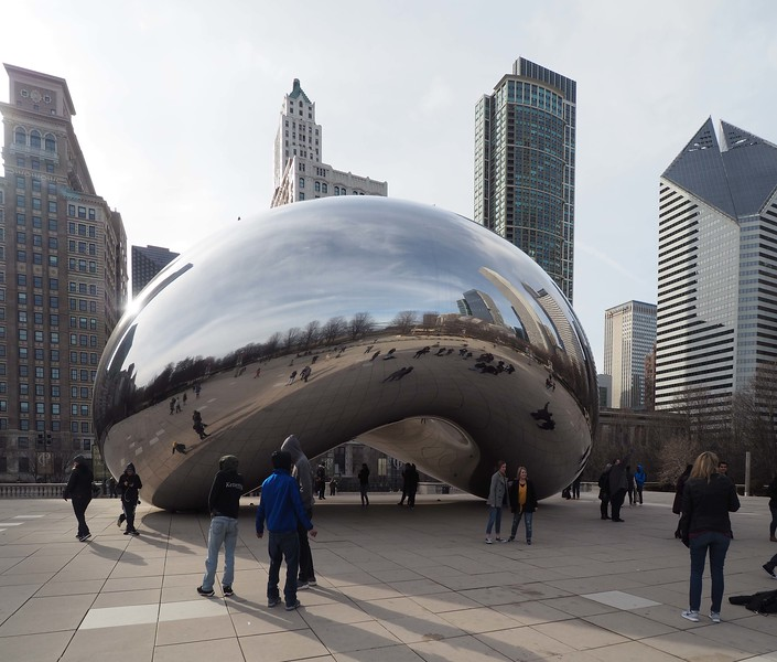Cloud Gate, Chicago sculpture designed by Sir Anish Kapoor in 2006.