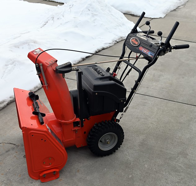 """Ariens 916003 AMP 24"""" Electric Two-Stage Snow Blower with Charger"""