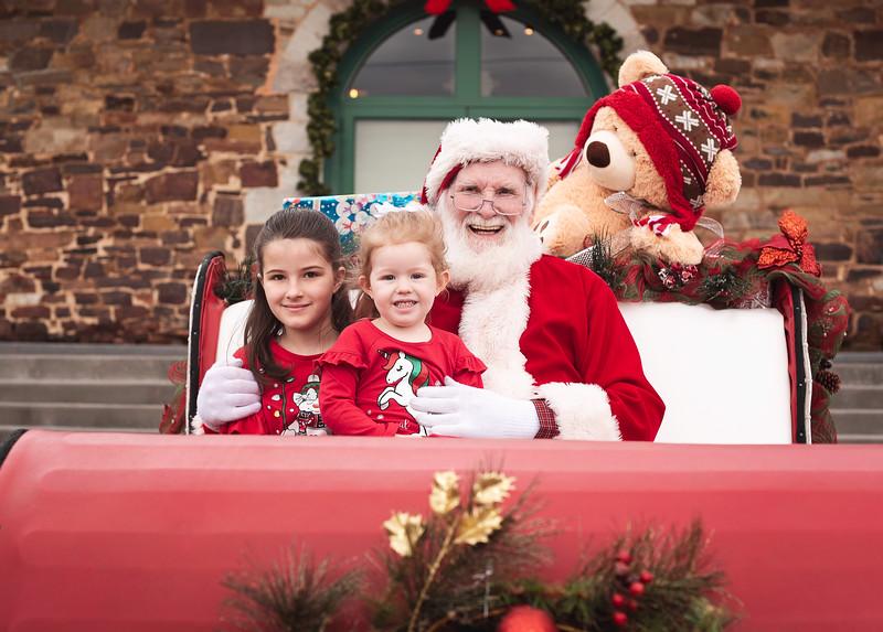 2019-Santa-and-Christmas-Trees-10