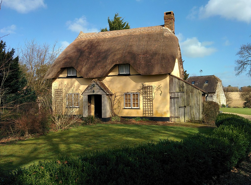Haythorn Cottage, Haythorn.   This is the cottage where Di's family spent their leaves when working in Nigeria.