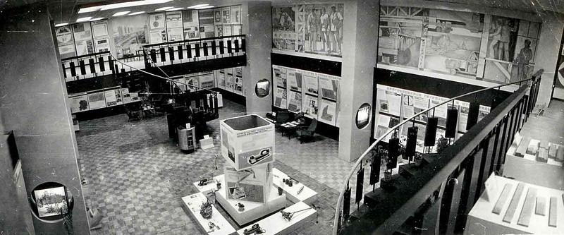 Центральный зал областной строительной Выставки.