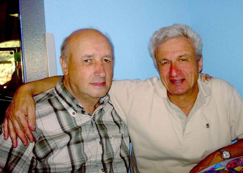 San Diego. 2007 г. Л.Пикус со своим другом С.Арансоном ,Академиком,Доктором физико-математических наук, Профессором,Заслуженным Деятелем Науки ,Выдающимся учёным РОССИИ за 2007 год.