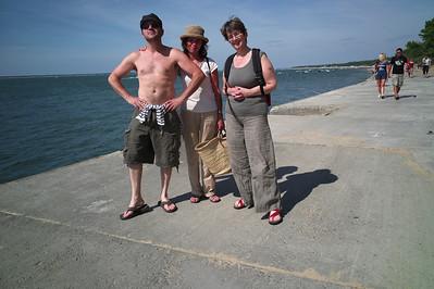 Laurent, Véro et Catou.