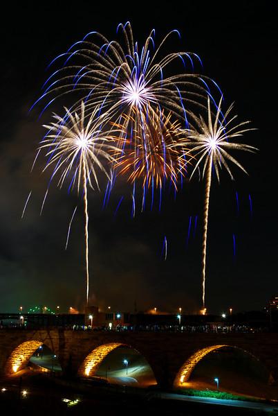 203/365-Minneapolis Aquatennial Fireworks 2012