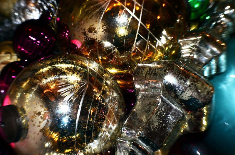 340/365-A pile of glass ornaments