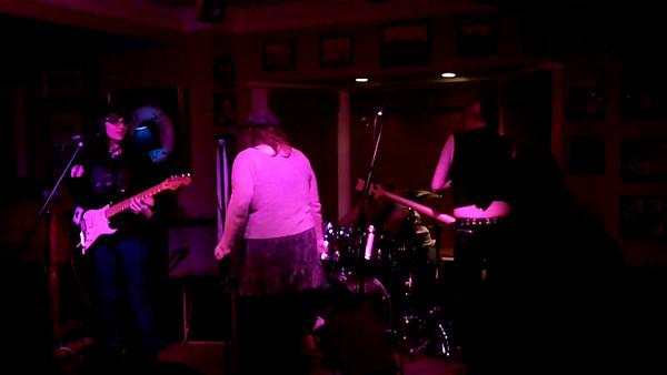 404 at Donahues 2013Mar21