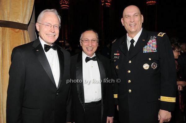 Jim Cullen, Stephen Scheffer, General Raymond T.Odierno  <br /> photo by Rob Rich © 2009 robwayne1@aol.com 516-676-3939
