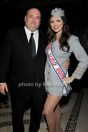 James Gandolfini, Miss USO Heidi-Marie Ferren<br /> photo by Rob Rich © 2009 robwayne1@aol.com 516-676-3939