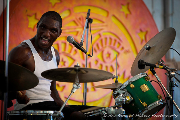 Cedric Burnside performing during WXPN's Pew supported Mississippi Blues worksop.