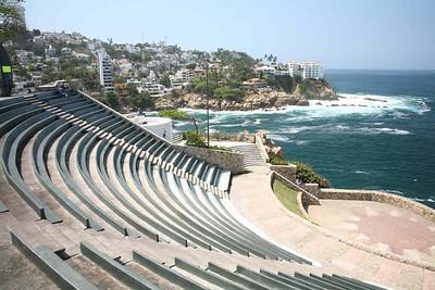 Мексика.Концертный зал пред океаном .2007 г.