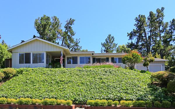 7 Shasta Ln Menlo Park CA 94025 | Jason & Maya Sewald