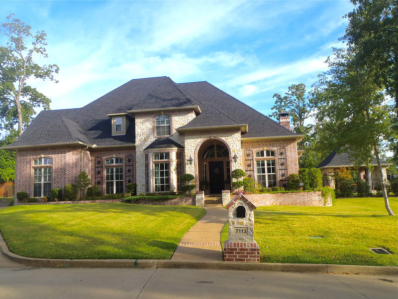 7113 Turnberry Circle - front