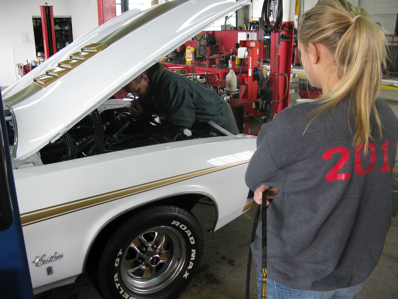Repairs take over 3 hours as getting a belt to fit is problematic. Maddy is getting a crash course in car mechanics!
