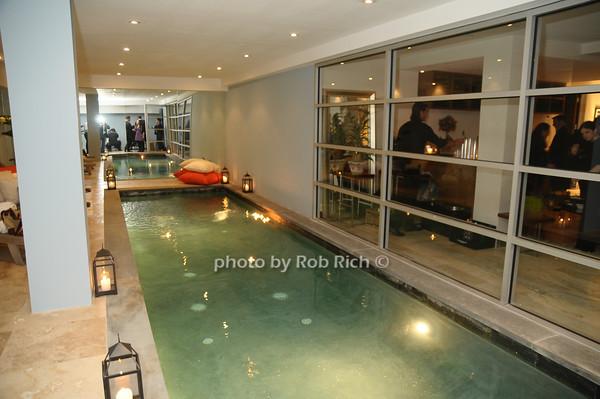 indoor pool<br /> photo by Rob Rich © 2009 robwayne1@aol.com 516-676-3939