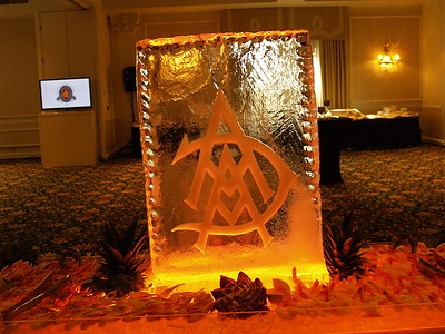 Ice Carving by Master Ice Carver, Bill Van Dyke http://www.icecarvings.com/
