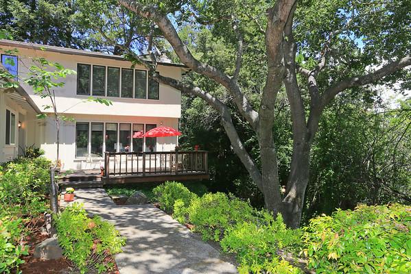 984 Monte Rosa Dr Menlo Park, CA  94025-6751 | Jennifer Polik & Deanna Tar