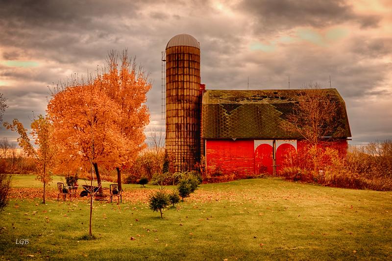 Barn near Lockport, NY