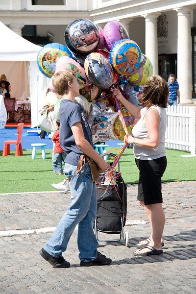 Balloon sellers in Covent Garden