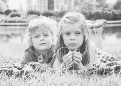 Kids Hazy and Serious bw (1 of 1)
