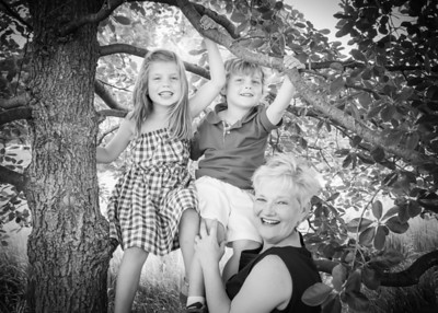 Katie and the Littles, crop bw (1 of 1)