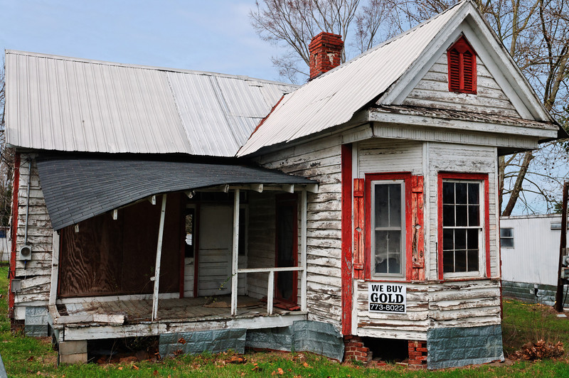 Abandoned House, Downtown Pinewood, SC