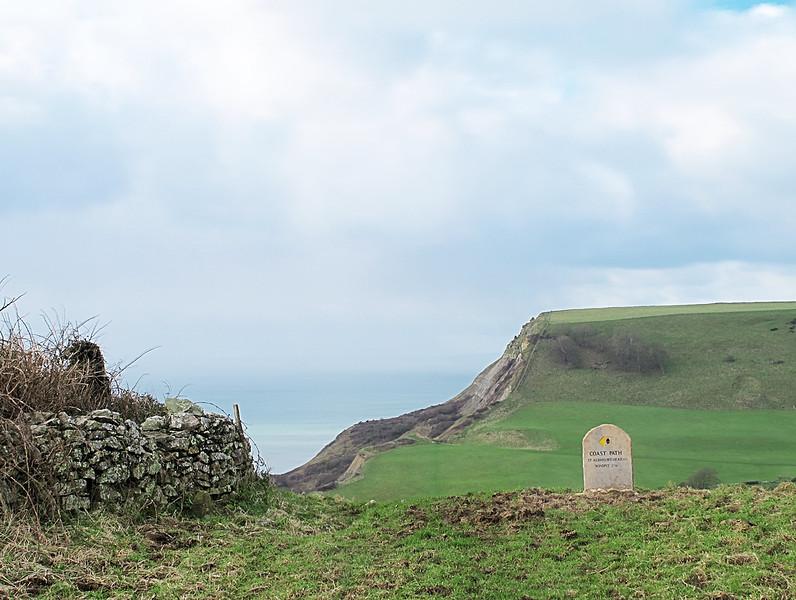 Houns Tout Cliffs beyond but the path goes left.