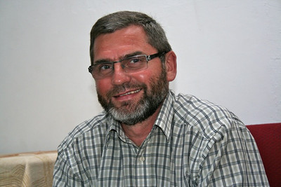 Fr. Paul Koscielny, who ministers in Colesburg,is an ESL alumnus.