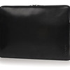 MacBook_11''_Leathersleeve_Black_ThreeQuarter_Highres