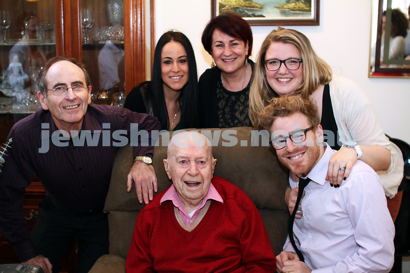 21-10-12. Celebrating his 100th birthday, Meitek Skovron is surrounded by his family. Photo: Peter Haskin