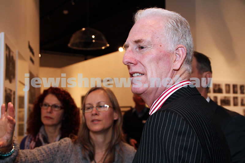 23-8-12. Victorian Minister for Education Martin Dixon visits the Holocaust Museum.  Photo: Peter Haskin