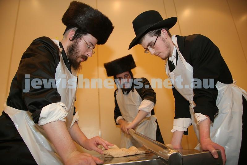 matzah making at Adass Shul. Pesach 2007. photo: peter haskin.