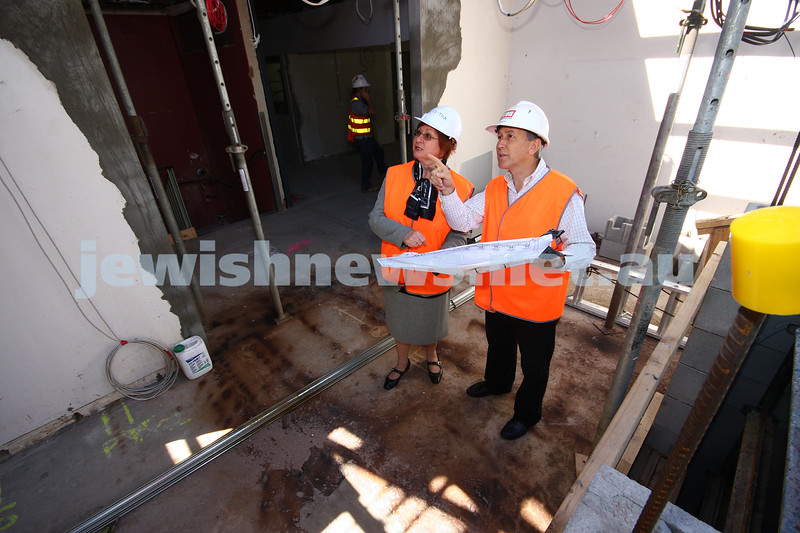 12/3/10. New King David School building during construction. Orrong rd. Michelle Bernshaw, Michael Lawrence. Photo: peter haskin