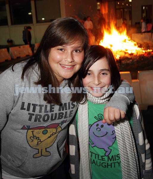 Bnai Akiva Lag B'omer celebrationa at Mizrachi. Zoe Finger (left), Tamar Gordon.  photo: peter haskin